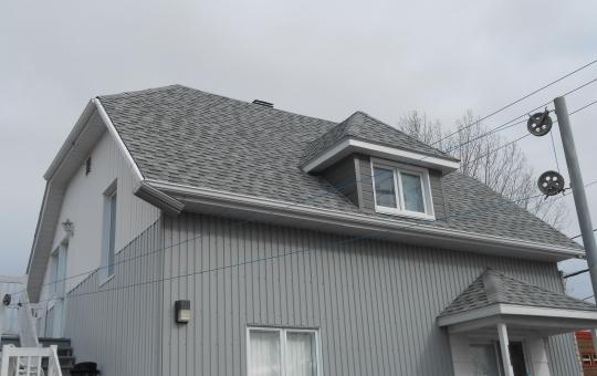 Réfection d'un toit en bardeaux d'asphalte - Jeff Tech Rimouski