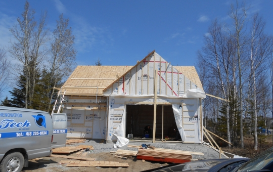 Construction d'un garage avec ferme de toit habitable - Jeff Tech Rimouski